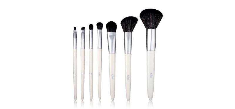 Oni Multi Functional Makeup Brush Set #White